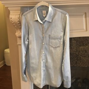MUST HAVE J. Crew Perfect Fit Chambray Top
